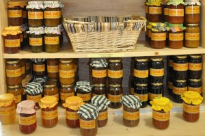 miel de lavande et Confitures des Alpes de Haute-Provence - Maison de produits de pays de Mallemoisson