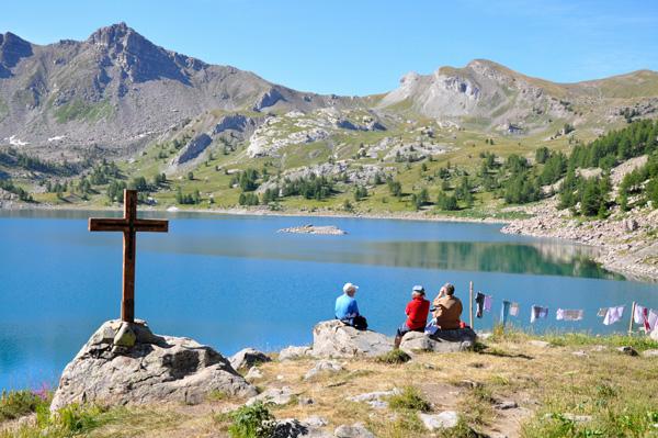 Lac d'Allos dans les Alpes Mercantour www.alpes-haute-provence.com Alpes de Haute-Provence