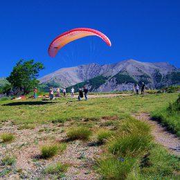 Parapente dans les Alpes de Haute Provence