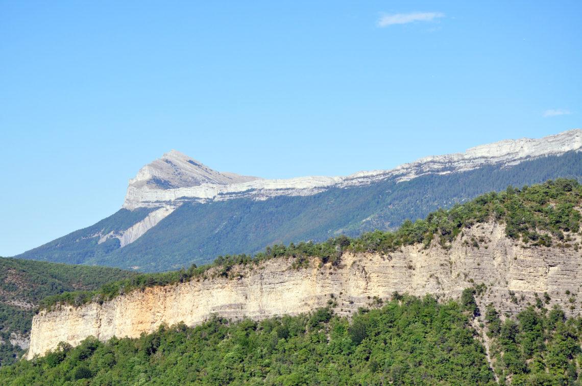 Barre des Dourbes et Pic de Couar sur le GR® de Pays - Grande Traversée des Préalpes (GTPA) relie du nord au sud Sisteron à Entrevaux