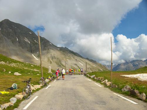 Vélo cyclotourisme col de la Cayolle Alpes de Haute-Provence ADT04/GBe