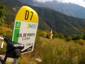 balisage des cols pour informer les cyclistes photo ADT04/GBe