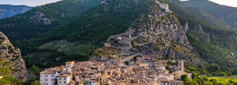 Entrevaux et sa citadelle Vauban ©T. Verneuil