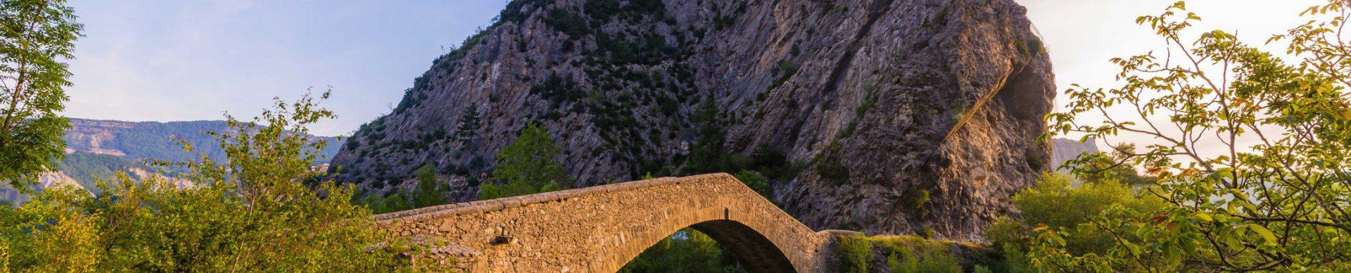Pont de la reine Jeanne Castellane ©T Verneuil