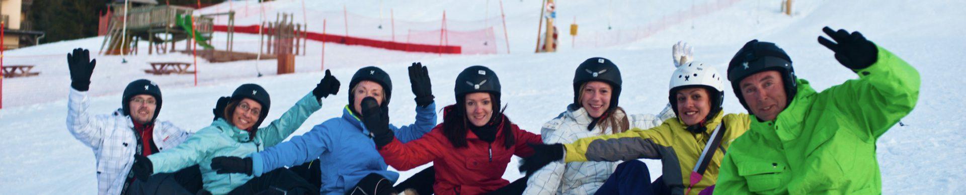 Descente en luge en station de ski