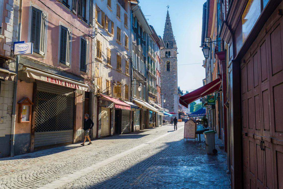 La tour de l'horloge à Barcelonnette ©T Verneuil