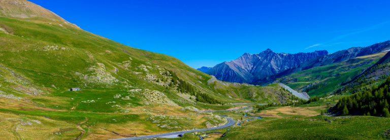 Col de la Bonette sur la Route des Grandes Alpes ©T. Verneuil