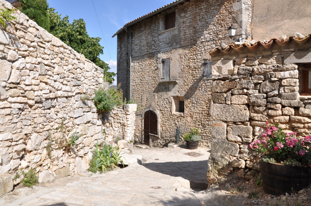Simiane la rotonde romantique alpes de haute provence - Office du tourisme alpes de haute provence ...