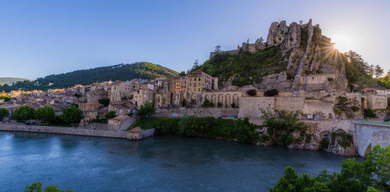 Sisteron et sa citadelle ©T. Verneuil