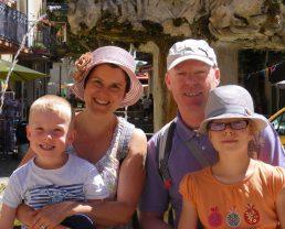 Claire et Bruno P. & leurs enfants à Valensole