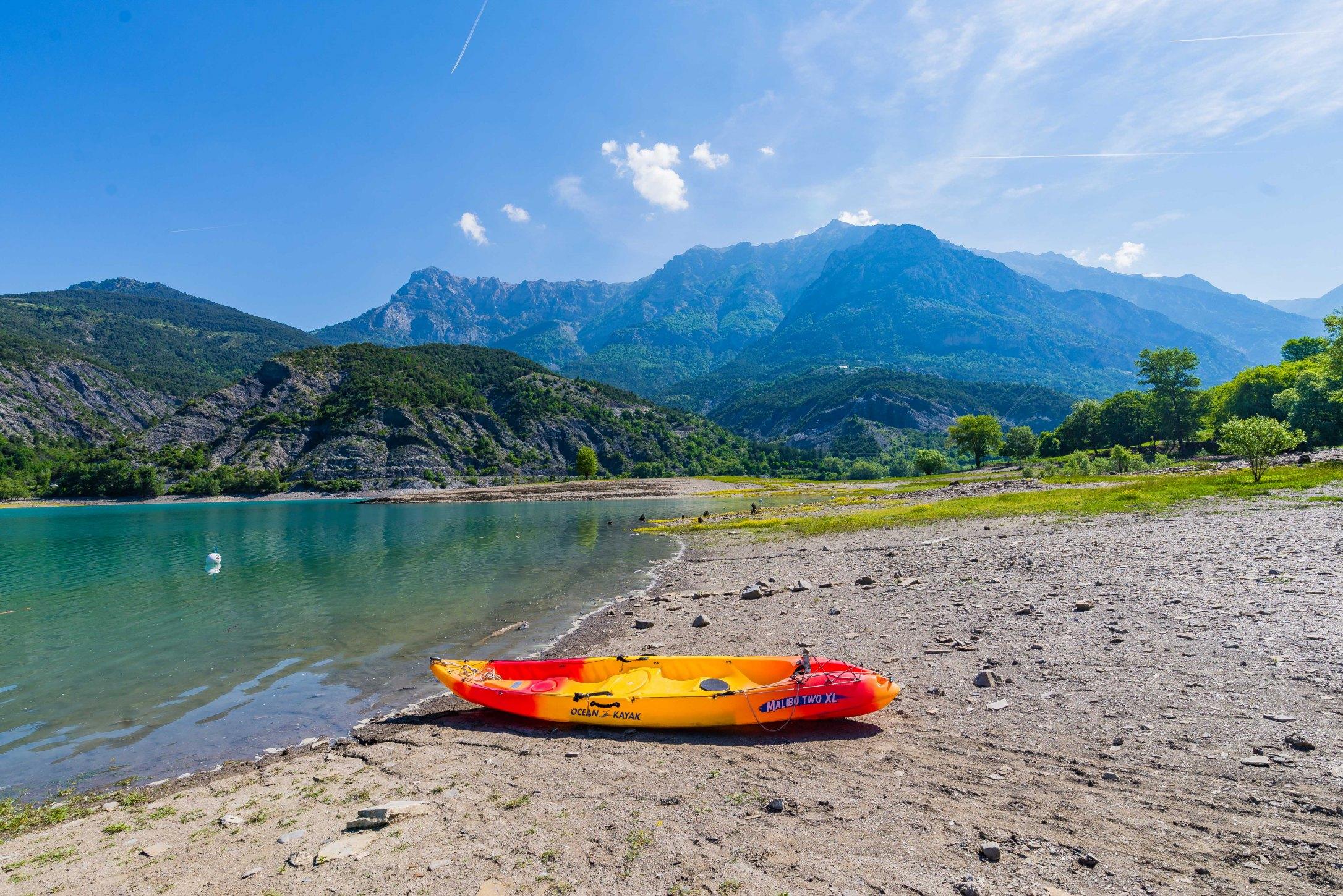 Lac Serre Poncon : Lac de serre ponçon alpes de haute provence tourisme