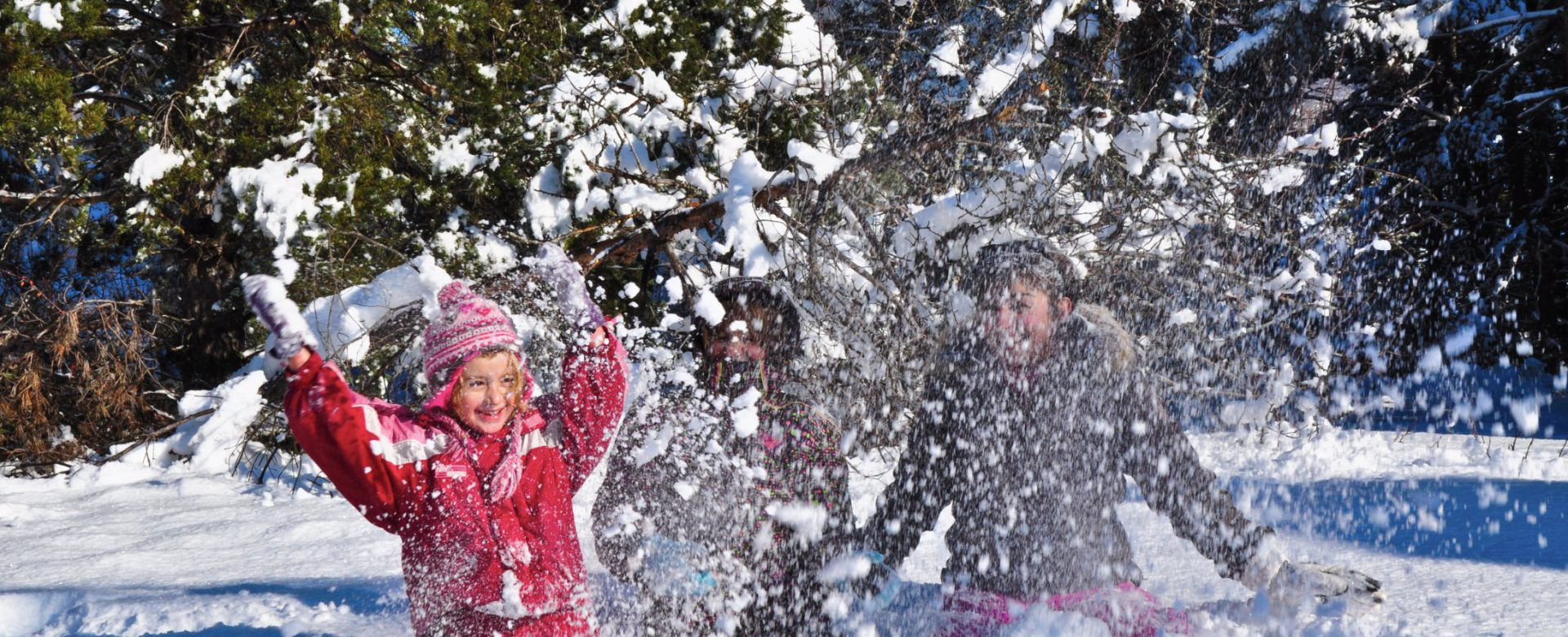 Enfants à la neige