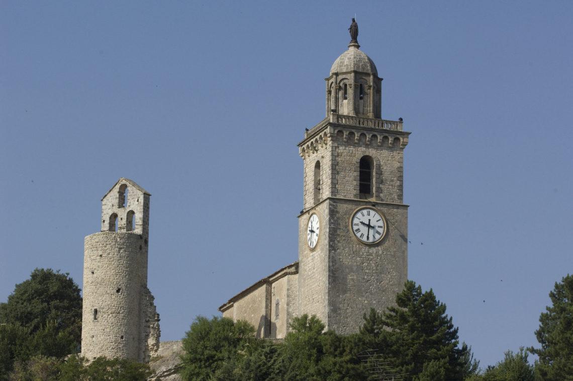 Reillanne : tour St Pierre et église St Denis