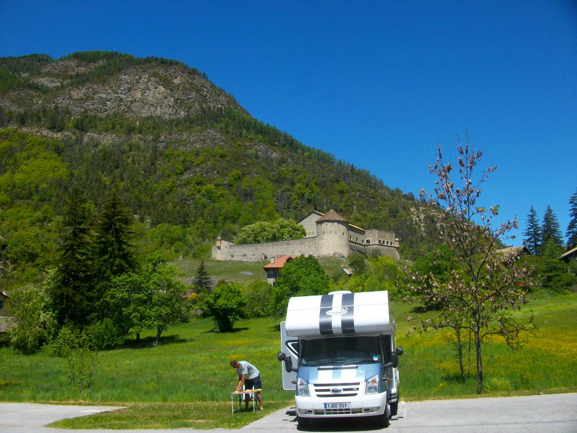 Camping-car à Colmars-les-Alpes ©ADT04/GBe