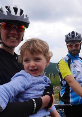 Pauline, Lucas et Antonin à vélo à la montagne de Lure