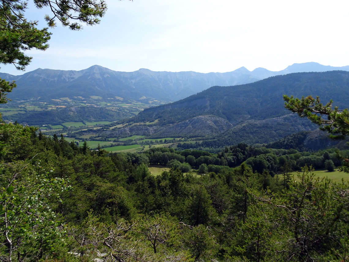 Vue sur les montagnes autour de Seyne